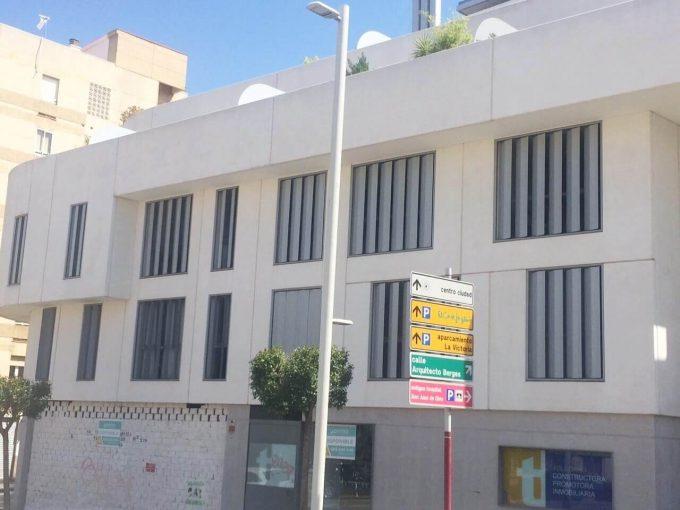 119 Local 230 m2 Jaén