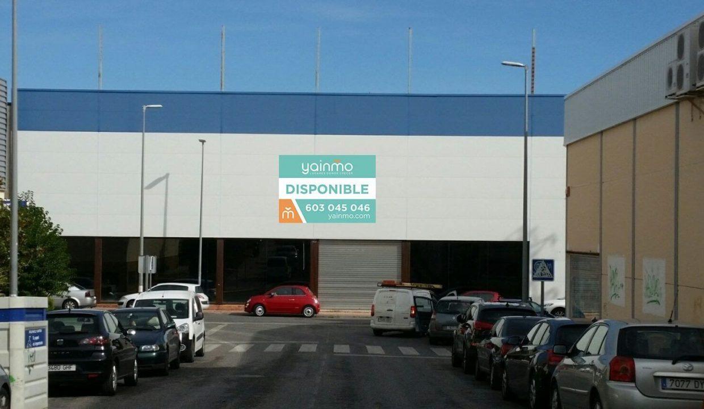 yainmo210_fachada_logo