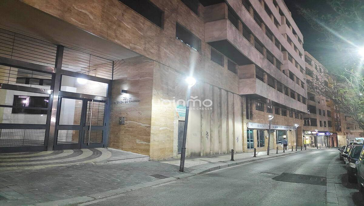 local avenida granada inmobiliaria yainmo jaen
